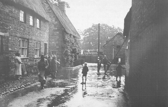 NetherHeyford_ChurchStreet_ManorWalk_1939
