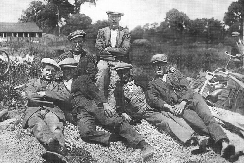 NetherHeyford_VillageLads_1920s